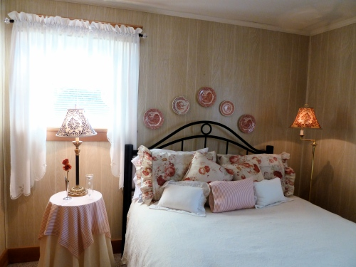 a pretty bedroom