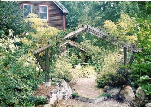 Arbour and the home where Pete and his partner lived.