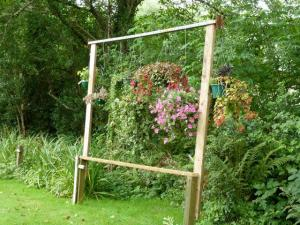 Ray's hanging basket frame