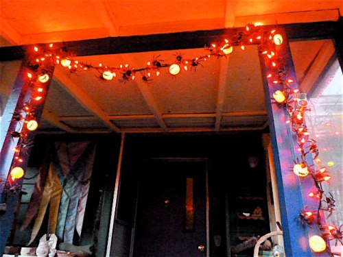 Halloween lights on the porch, 24 October