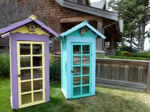 cute little sheds in front yard