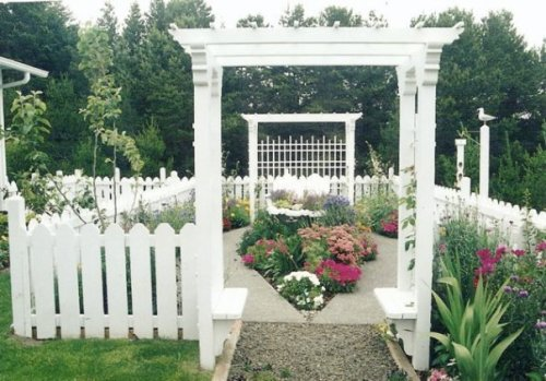 "Maxine's ""cloister garden"" 9n '95"