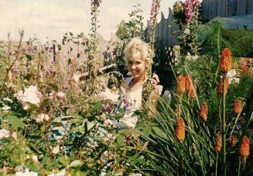 She took this photo of me on the garden on the same day.
