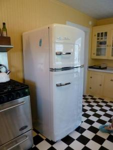 reproduction refrigerator