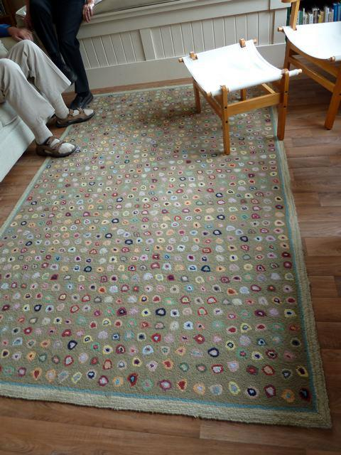 buttons rugs