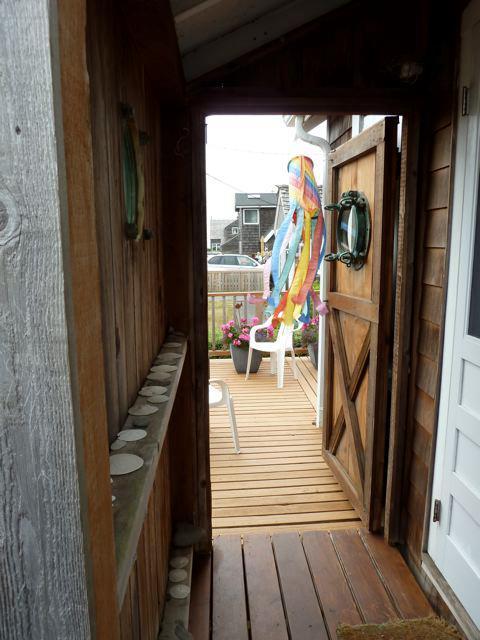 front door and storm door