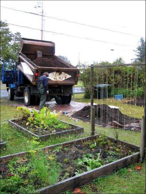 The Planter Box truck arrives.