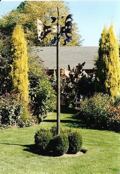 center of the 4 quadrants garden