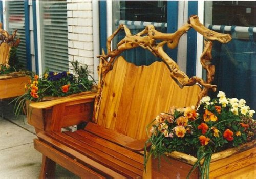 beautiful garden bench in Manzanita