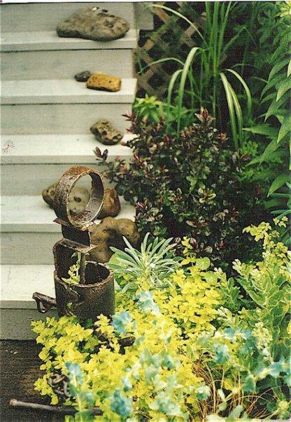 Astoria garden vignette