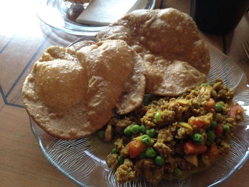 puri and curry rice