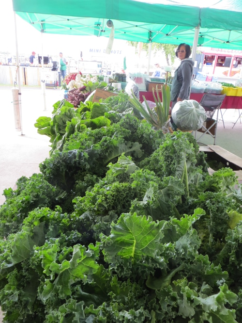 kale at De Asis produce