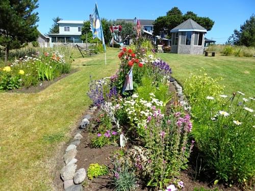 Boreas west side garden