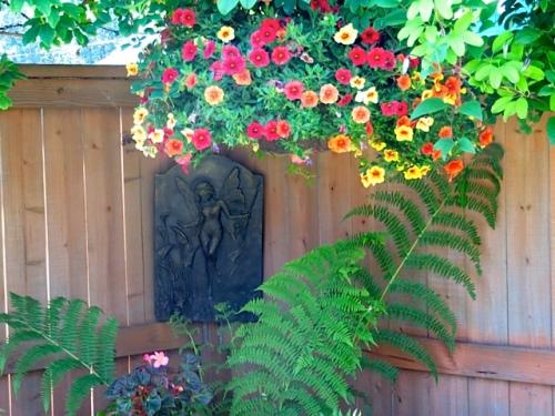 floriferous corner