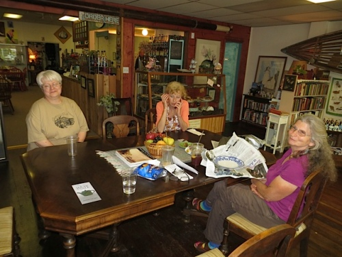 Kathleen, Olde Towne owner Luanne, and Sheila!