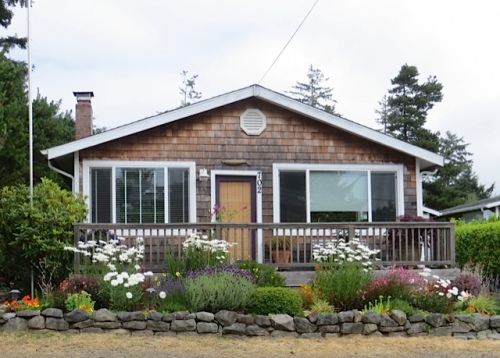 a simple cottage garden
