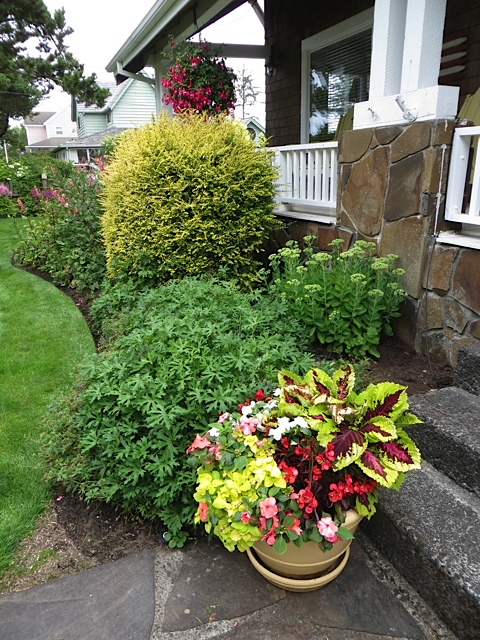front steps with planter