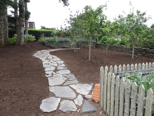 mulch with path
