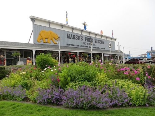 the north end of that border with Marsh's Free Museum