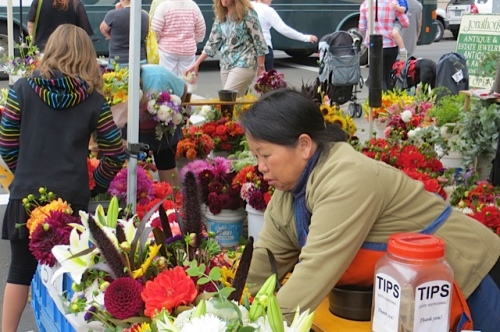 another bouquet artist at work