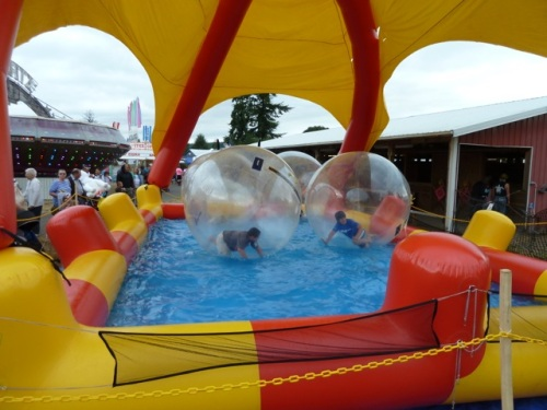 We heard that the air bubble ride was very popular.