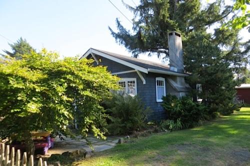 a little grey cottage