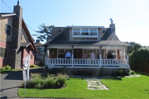 Hopper's House from across the street