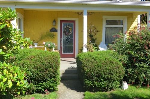 and a pretty front porch