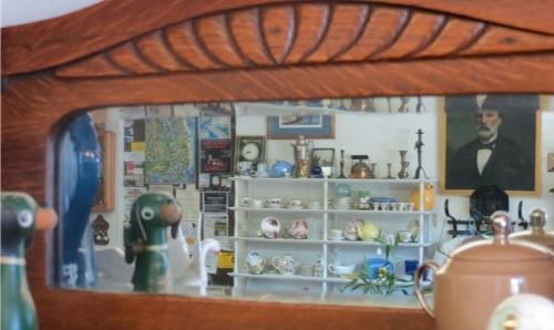 Olde Towne mirror