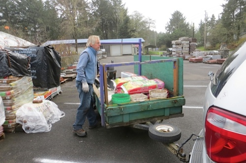 the drawback:  Allan loads the heavy bags