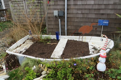 planted and ready for the winter snowman and his dog decorations to be installed.