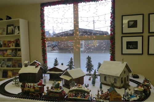the museum's Christmas train display