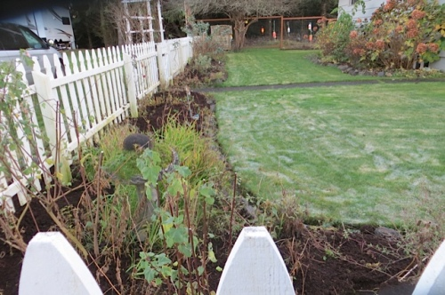 picket fence garden put to bed