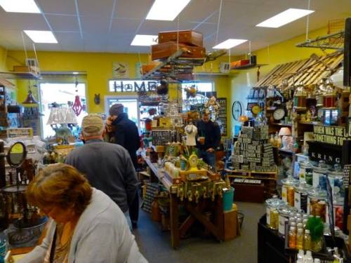 cash mob at The Wooden Horse gift shop