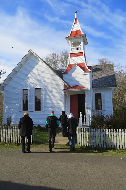 tourgoers going into the Oysterville Church