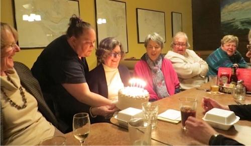 Patricia's cake arrives