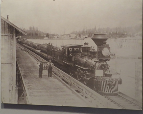 Ilwaco train dock
