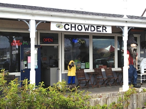 We would have liked lunch at Captain Bob's Chowder, right behind Fifth Street Park...but had to move on.