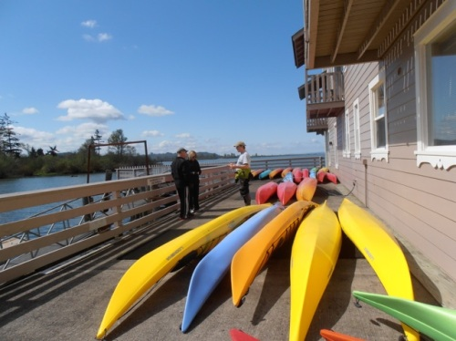 At Columbia River Kayaking & their fleet of nice kayaks with another couple & instructor Mark Whitaker