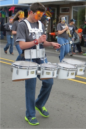 animal mask drummers