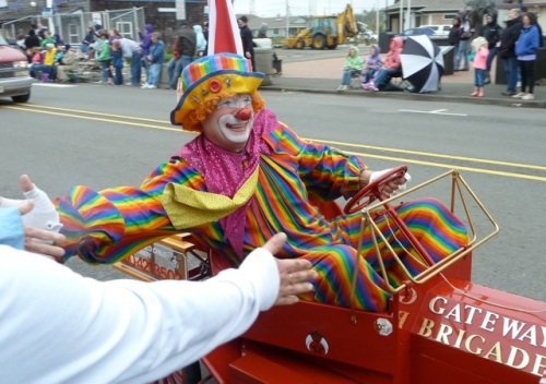 Allan's photo.  I fear clowns but this one looks friendly.