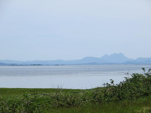 and to the south; that's Saddle Mountain in Oregon, across the Columbia River