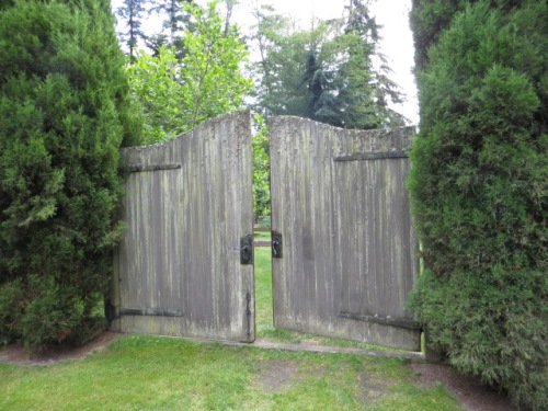 Near this gate, to our left, sat a garden host who offered us a map of the enormous garden.