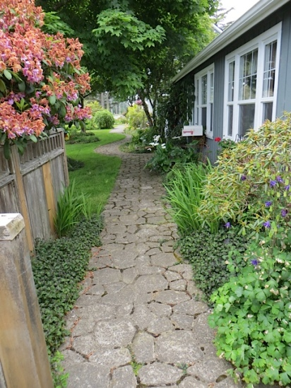 path to the B&B