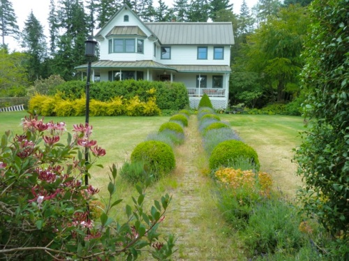 Allan's photos: lightly used formal path to the front of the house...