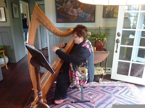 Cheri in Patti's living room