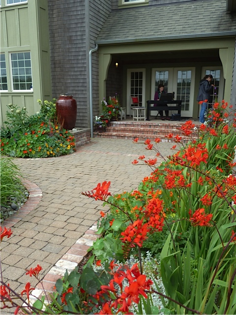 path to front porch