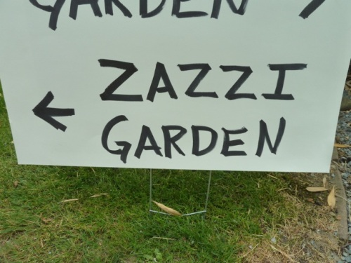 Right next door to the Galicic garden; was maybe added to the tour at the last minute, as the Zazzi name is not on the booklet's list of garden hosts.