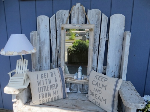 the bench in front of Home at the Beach gift shop