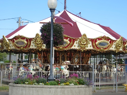 carousel planter